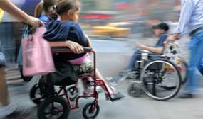 ilustrační obrázek - děti na invalidních vozících